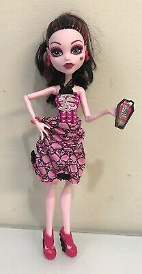 Monster High Doll Exclusive Dot Dead Gorgeous Draculaura - Complete / EUC