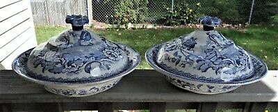 Pair Covered Staffordshire Serving Bowls, Blue and White, Chinese Scene, Ca.1800