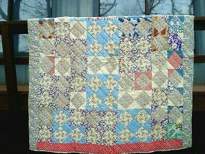 VINTAGE c.1930's HOURGLASS PATTERN QUILT - FEEDSACK FABRICS  - GREAT CONDITION