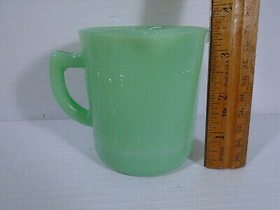 Jadeite Green Glass Reproduction 1 Cup Measure 3 Spouts 1/4 1/2 & 3/4 Cup Marks