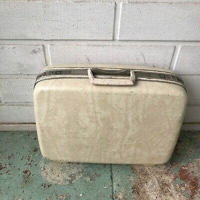 Vintage Samsonite silhouette white travel hard case luggage in good condition