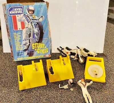 "Evel Knievel Stunt Cycle ""Vintage"" 1975 Ideal toy Motorcycle toy + EXTRAS"