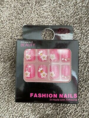 Primark 24 Fashion Nails Glitter pink with flower & diamante detail