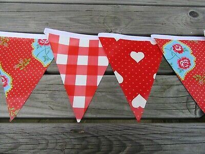 Red Love Design Pvc Garden / Indoor Bunting 3 Mtrs Approx  10Ft