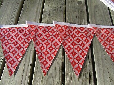 Red Geometrical Pvc Garden / Indoor Bunting 3 Mtrs Approx 10Ft