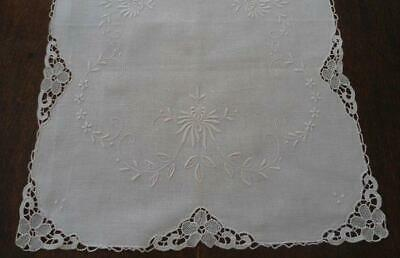 """Vintage Linen Needle Lace Table Runner Ivory Embroidery 34"""""""