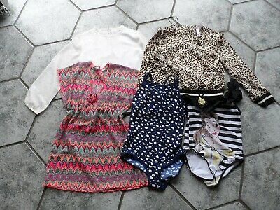 Girls Age 7/8  2 Tops   1 Beachdress  2 Swimsuits Outgrown