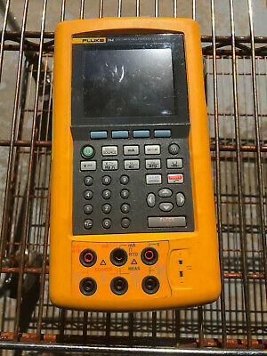Fluke 744 Documenting Process Calibrator With Case and accessories