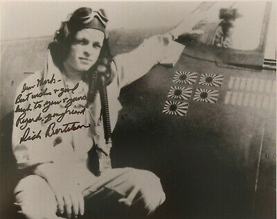 """WWII NAVY VF-29 5 VICTORY FIGHTER ACE RICHARD """"DICK"""" BERTELSON SIGNED B&W 8x10"""
