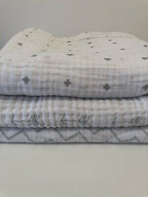Baby Muslin Swaddle Blankets Cloth 3 Pack Chevnon, Arrow, Cross, Grey/White