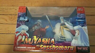 Inuyasha VS Sesshomaru Hot Topic Exclusive Toynami RARE Limited To 7500 NEW!