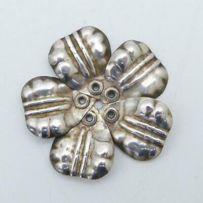 ANTIQUE LARGE SILVER BUTTON IN THE FORM OF A FLOWER HEAD, CIRCA 1900s