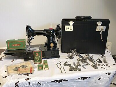 1953 Singer 222K Featherweight Sewing Machine, Case With Key And Accessories