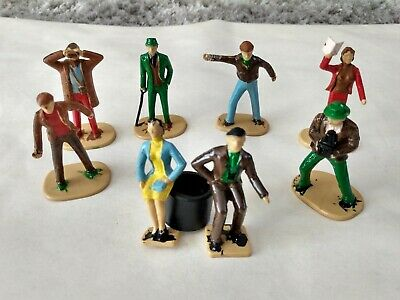 8 x Scalextric Spectators Model Figures. Nicely Painted