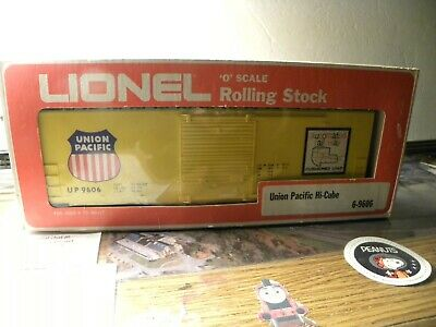 Lionel 9806 UP high cube boxcar with ORIGINAL BOX - O guage -fast shipping
