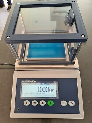 Mettler Toledo ICS425 compact Industrial Scales With Wind Sheild Box