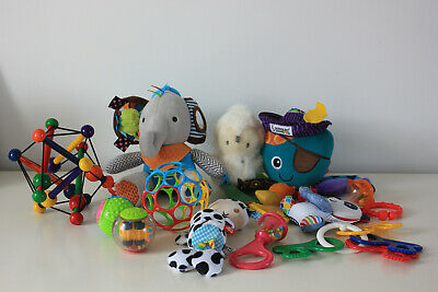 Bundle Of Baby Sensory Toys 0-12 months Great used condition.