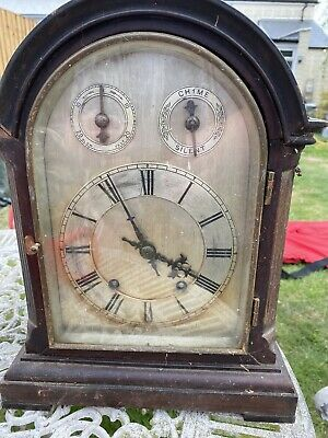 collectable old mantle clock.  chimes.