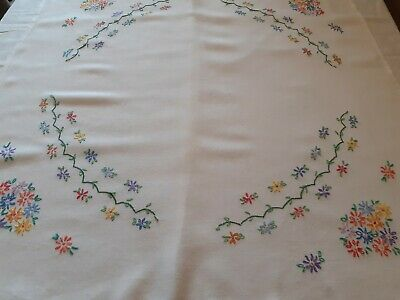 Pretty Vintage White Hand Embroidered Tablecloth Flowers.