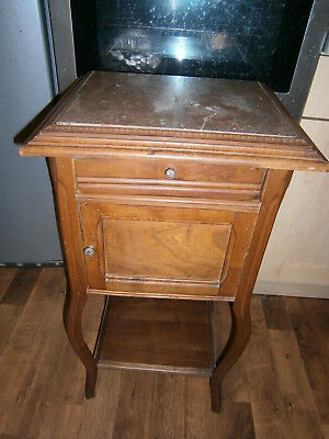 A FINE LATE 19th CENTURY FRENCH WOODEN LOUIS XV STYLE BEDSIDE CABINET
