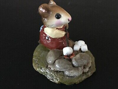 Wee Forest Folk - Campfire Mousie, M- 109, retired 1986, produced only 2 years