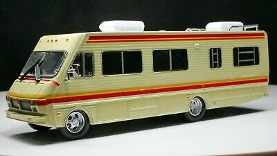 2016 16 FLEETWOOD BOUNDER RV MOTORHOME RARE 1:64 SCALE COLLECTIBLE DIECAST MODEL