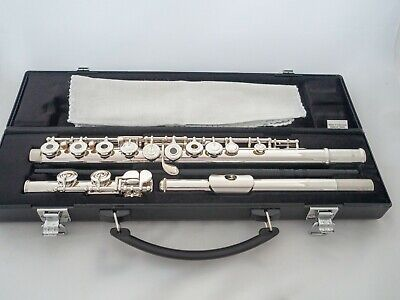 Yamaha YFL-262 Silver-plated Open-hole Intermediate Flute *Cleaned & Serviced