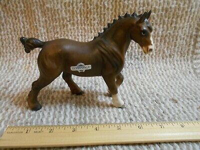 Horse Figurine Ceramic/Porcelain Draft Horse Clydesdale Stallion Lovely Bay