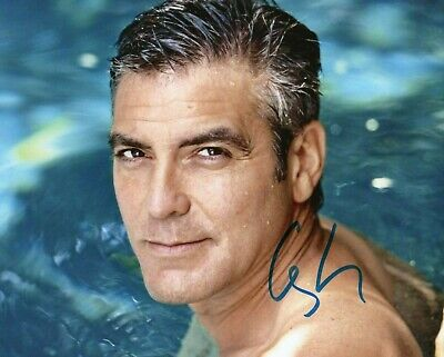 Autographed George Clooney signed 8 x 10 photo Nice