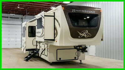 2019 Forest River Riverstone 37FLTH New fifth wheel  front living  toy hauler