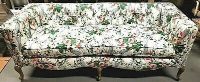 Lovely Vtg Floral Tufted Cabriole Sofa Cotton Down Cushions + 4 Throw Pillows