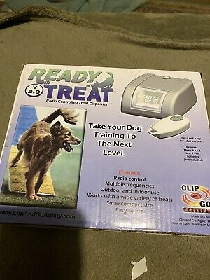 Clip And Go Ready Treat Remote Control Treat Dispenser