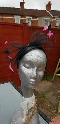 Black & Fuschia Pink Headband Fascinator Wedding Races Occasion Formal Features