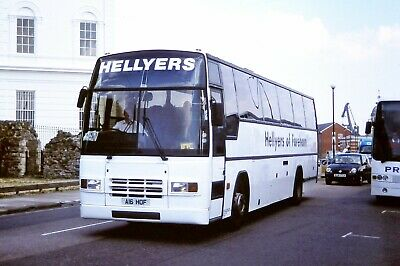Hellyers Coaches Volvo/Plaxton Expressliner A16HOF colour print
