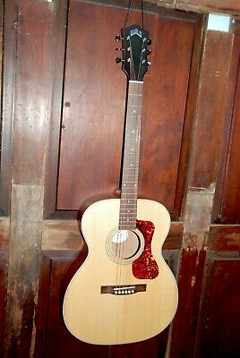 "Guild OM-240E Acoustic-Electric ""000"" Size Steel String Mahogany Guitar w/Case"