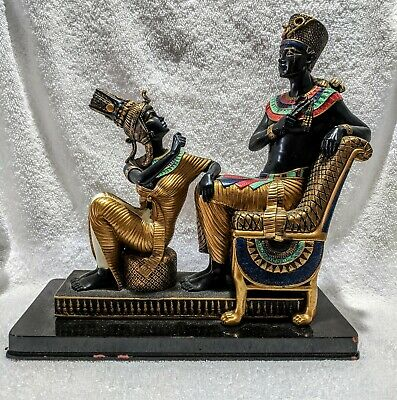 Egyptian Pharaoh and Queen Statue                                Egy 6