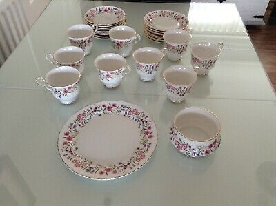 windsor Spring meadow bone china tea set. 29 pieces. Excellent condition.
