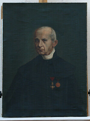 Portrait of a Priest ? Antique oil on canvas painting, unknown artist