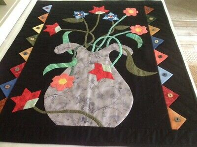 FLOWERS & VASE Quilt Appliqued Wallhanging Handmade by Mennonite/Amish GORGEOUS