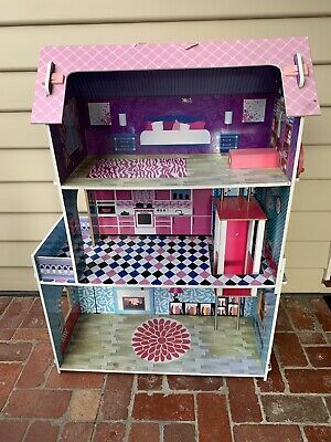 large wooden doll house with lift Pick Up Croydon 3136