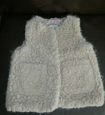 Fat Face,  Fluffy Girls Gilet, Age 4-5 years, Beige Grey Mink VGC