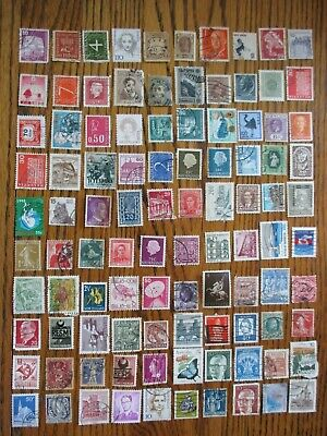 Henry's Stamps- 053005 - 100 Different Worldwide-Small Format-Used/Off Paper-