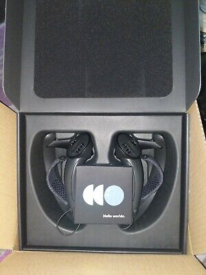 Valve Index VR Controllers (Knuckles) IN HAND