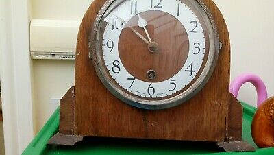 Antique/Vintage Key Winding Mantel Clock. Spares Or Repair Only.