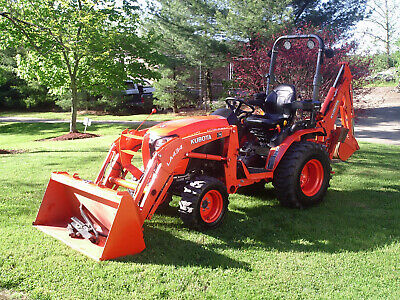 2018 Kubota B2301 Loader Backhoe attachments low 174 hrs all very nice conditon