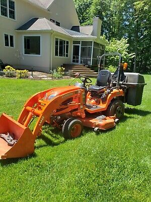 "Kubota BX2660 4X4, Loader, 60""mower deck, Power Vacuum and only 187Hours"
