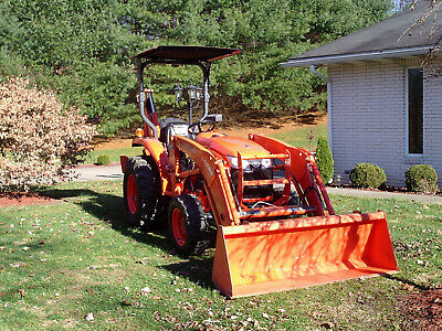 2013 Kubota L3200 Front  Loader, Backhoe, 3 Pt Hitch low 116 Hrs. very nice cond