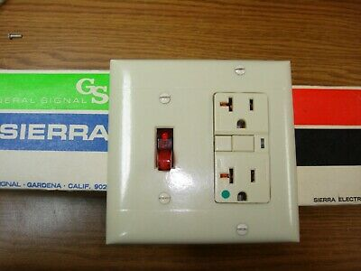 Vintage Smooth Ivory Decora GFCI Switch Outlet Wall Cover Plate 2 Gang Sierra