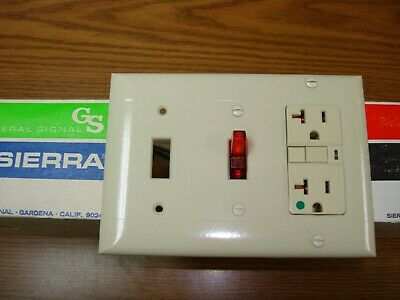 Vintage Smooth Ivory Decora GFCI Switch Outlet Cover Wall Plate 3 Gang Sierra