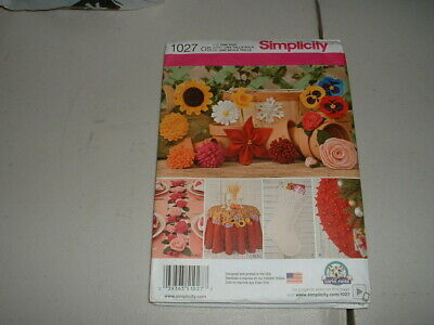 Simplicity Sewing Pattern 1085 Decorative Fabric Flowers One Size